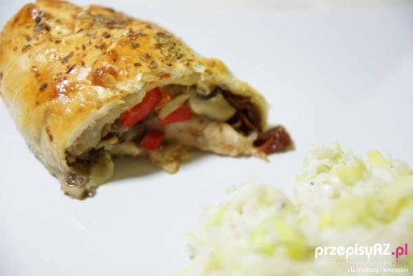 Kurczak w Cieście Francuskim z Pieczarkami Kurczak w Cieście Francuskim